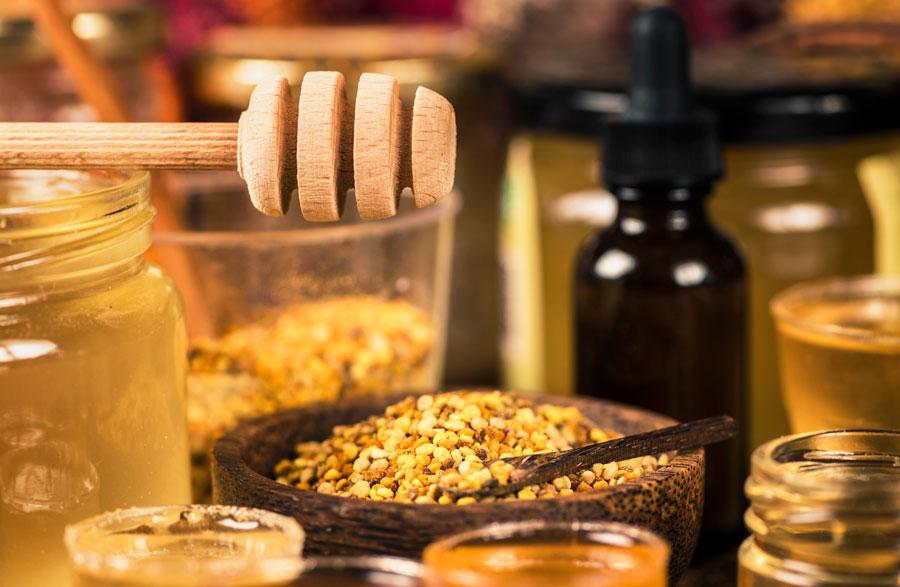 Arı sütü, bal, polen, propolis karışımı